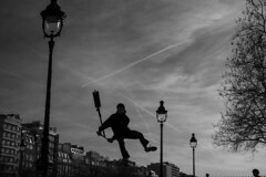 Paris - 02-2019 (No.Made) Tags: paris photoderue people polkamagazine blackandwhite blancoynegro bnw bastille bnwphotography street streetphotography streetscene scenederue skate skateboard streetlifeaward streetsgrammer sky noiretblanc nuages monochrome therealstreet trotinette