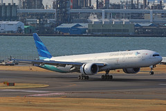 PK-GIF, Boeing 777-300ER, Garuda Indonesia, Tokyo Haneda (ColinParker777) Tags: boeing aircraft airliner airplane plane aeroplane landing approach airport fly flying flight aviation spotting photo photography spotters dawn airways airlines air tokyo haneda hnd rjtt japan runway canon 7d 7d2 7dmk2 7dmkii 7dii 200400 l lens zoom telephoto pro cockpit sky 777 773 777300 touchdown garuda indonesia gia ga 77w 777300er 29148 1203 7773u3er