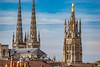 99-Cathédrale et toits (Alain COSTE) Tags: balcon bordeaux cathédralesaintandré coursvictorhugo immeuble parkingvictorhugo pointdevue toits hauteur rue gironde france fr