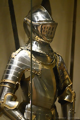 Heavy Cavalry Armour (c.1560) (Bri_J) Tags: royalarmouries leeds westyorkshire uk museum warmuseum militarymuseum yorkshire nikon d7500 heavycavalry armour knight metal germanarmour