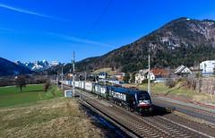 "MRCE 182 518 ""Flixtrain"" + Ecco-rail 193 211, Thörl-Maglern (Paha Bálint) Tags: ekol freighttrain train güterzug siemenstaurus taurus vectron br193 siemensvectron austria mrce ecco"