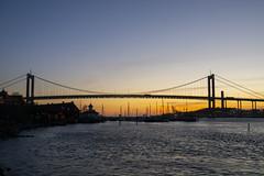 Älvborgsbron (Rudi Pauwels) Tags: 2019onephotoeachday goteborg gothenburg klippan majorna gothiariver alvborgsbron sunset evening eveningwalk tamron18270mm nikond7100