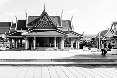 People tell me to meditate (lorenzoviolone) Tags: finepix fujix100s fujifilm fujifilmx100s x100s mirrorless travel:southeastasia=2017 bangkok krungthepmahanakhon thailand th