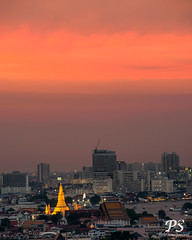 9apr19evening-2 (Paniwat) Tags: wat aroon temple dawn evening dusk red sky bangkok thailand