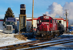 MNNR 316- Action at Old Dutch (Khang Lu) Tags: mnnr minnesota commercial alco rs27 316 hennepin job switch truck trailer old dutch smoke winter snow train locomotive engine commersh oil