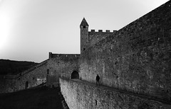 (cherco) Tags: alone walk castillo castle wall piedra stone france cordessurciel medieval lonely light luz lateafternoon direccion direction depth city architecture arquitectura aloner arch arco blackandwhite blancoynegro composition composicion canon ciudad calle street down