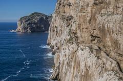 scale (Paolo Dell'Angelo (JourneyToItaly)) Tags: capocaccia alghero sardegna italia rocks sea sardinia italy provinciadisassari stairway