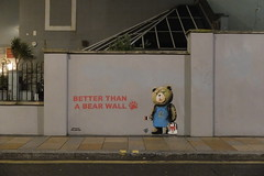 Bear Wall (sgreen757) Tags: weston super mare somerset town centre fuji x30 fujifilm winter december 2018 grafitti street art