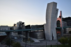 Puente de la Salve y Museo Guggenheim (Bilbao, País Vasco, España, 27-9-2018) (Juanje Orío) Tags: 2018 bilbao vizcaya provinciadevizcaya paísvasco euskadi españa espagne espanha espanya spain europa europe europeanunion unióneuropea puente bridge museo museum guggenheim arquitectura