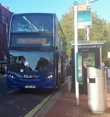 Bluestar 1557 is on Above Bar Street while on route 18 to City and Thornhill. - HJ63 JMV - 19th October 2018 (Aaron Rhys Knight) Tags: bluestar 1557 hj63jmv 2018 southampton gosouthcoast enviro400