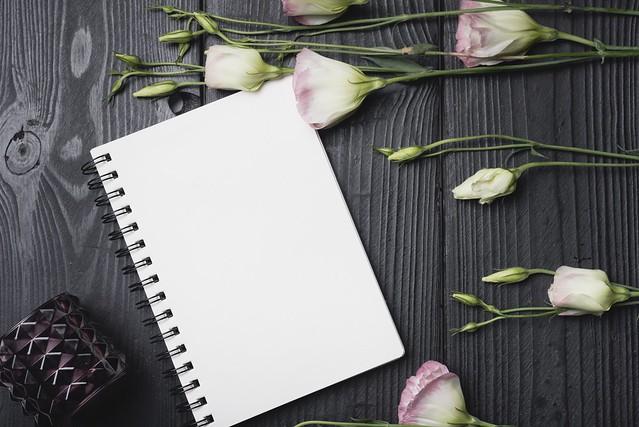 Обои цветы, букет, wood, flowers, purple, эустома, eustoma картинки на рабочий стол, раздел цветы - скачать