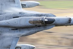 ¡Qué pasada! (Ejército del Aire Ministerio de Defensa España) Tags: f18 hornet fighter caza combate ejércitodelaire fuerzaaérea airforce aviación aviation militar plane piloto pilot cabina cockpit pilotlife