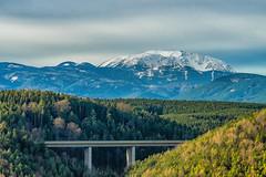 Der Schneeberg, Highway A2 (a7m2) Tags: austria loweraustria seebenstein a2 talübergang brücke wald schneeberg alpen natur schnee rax motorway bridge alps