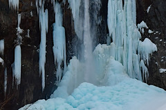 Ice falls beginning to melt (takashi muramatsu) Tags: ice falls icefalls hirayuookaki 平湯大滝 nikon d500 gifu japan