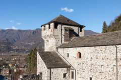 Vogogna (Guido Barberis) Tags: vogogna castello ossola valle monti monte edificio storia cielo