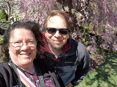 2019-03-31 14.51.55 (littlereview) Tags: dc littlereview 2019 nationalcathedral church flower family personal garden spring blog