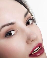 Cerna (dominique cappronnier) Tags: cerna beaute close up girl portrait