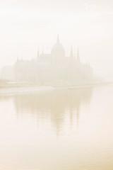ODP20388 (ODPictures Art Studio LTD - Hungary) Tags: 2019 budapest city danube dowtown fog fuji fujifilm hungarian hungary kod odpictures orbandomonkos snow urban white winter xt3 hu