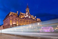 Tramway tourangeau (Guibs photos) Tags: eos7d efs1585mmf3556isusm manfrotto canon poselongue longexposure night nuit heurebleue bluehour ville city cityscape urban urbain tramway fontaine fountain mairie hoteldeville townhall cityhall tours france indreetloire touraine