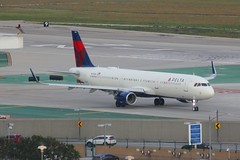 A321 N371DN Los Angeles 22.03.19 (jonf45 - 5 million views -Thank you) Tags: airliner civil aircraft jet plane flight aviation lax los angeles international airport klax delta air lines airbus a321211s n371dn a321