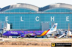 Embraer 195 Flybe (Welcome to Yorkshire livery) G-FBEJ (Ana & Juan) Tags: airplane airplanes aircraft airport aviation aviones aviación embraer embraer195 flybe taxiing alicante alc leal spotting spotters spotter planes canon closeup special livery
