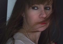 aire (bekumarnié) Tags: retrato hair woman mujer pelirroja aire mirada portrait