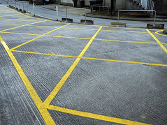 diagonals (chrisinplymouth) Tags: yellowlines roadmarkings noparking sign ground directions instruction plymouth devon england morleycourt uk city cw69x pavement desx diagx line xg diagonal plain