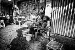 quán nước (1-2-3 cheese) Tags: bw streetphotography streetshot street travelphoto snap oldlady vietnam vietnamese fujixt1 happyplanet asiafavorites