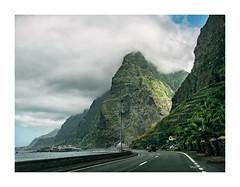 Madeira, Portugal (Sr. Cordeiro) Tags: madeira portugal ilha island montanhas mountains estrada road viagem trip nuvens clouds panasonic lumix gx80 gx85 14140mm