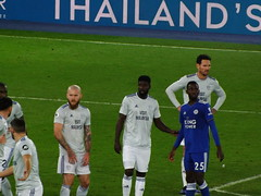 Leicester set piece (lcfcian1) Tags: leicester city cardiff lcfc ccfc king power stadium epl bpl football sport footy england leicestercity cardiffcity premierleague kingpowerstadium arongunnarsson brunoecuelemanga wilfredndidi seanmorrison
