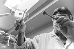 Le dentiste DxOFP LM+21 1007665 (mich53 - thank you for your comments and 6M view) Tags: monochrome noirblanc blackwhite leicamtype240 superelmarm21mmf34asph dentiste peur télémètre masque stress dentist fear rangefinder mask zahnarzt angst entfernungsmesser maske explore terrifying