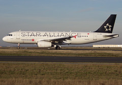 "TC-JPS, Airbus A320-232, c/n 3718, Turkish Airlines, ""Burdur"", Star Alliance livery, CDG/LFPG, 2018-12-26, taxiway Bravo-Loop. (alaindurandpatrick) Tags: tcjps cn3718 a320 a320200 airbus airbusa320 airbusa320200 minibus jetliners airliners tk thy türkhavayollari turkish turkishairlines airlines staralliance airlinealliances specialliveries cdg lfpg parisroissycdg airports aviationphotography"