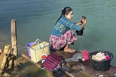 Washing woman - Indein (Captures.ch) Tags: clear klar burma birma inle myanmar shan aufnahme capture day tag morgen morning water wasser see river lake fluss frau woman
