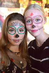 Faces you see when you wait in line for a pizza (radargeek) Tags: dayofthedead 2018 october plazadistrict okc oklahomacity facepaint catrina empireslice portrait skeleton
