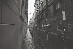 Roma (goodfella2459) Tags: nikonf4 ilfordsuperxp2400 35mm c41 blackandwhite film analog city streets buildings pedestrians roma italy rome bwfp manilovefilm