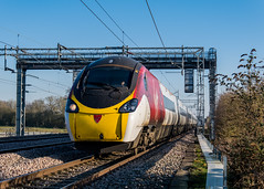 390008 Virgin Trains West Coast Cathiron Rugby 27.02.19 (Paul David Smith (Widnes Road)) Tags: 390008 virgin trains west coast cathiron rugby 270219 pendolino