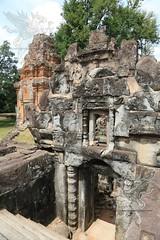Angkor_Bakong_2014_18