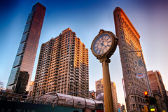 Flatiron Building, NY (FedeSK8) Tags: building fedescotto 2019 fedesk8 federicoscottophotography fujifilmxm1 newyork places flatironbuilding new york nyc architecture clock street hdr