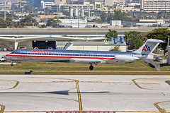American Airlines McDonnell Douglas MD-82 N492AA FLL 01-03-10 (Axel J.) Tags: americanairlines mcdonnelldouglas md82 n492aa fll fortlauderdale luftfahrt fluggesellschaft flughafen flugplatz aircraft aeroplane aviation airline airport airfield 飞机 vliegtuig 飛機 飛行機 비행기 авиация самолет תְעוּפָה hàngkhông avion luchtvaart luchthaven avião aeropuerto aviación aviação aviones jet linienflugzeug vorfeld apron taxiway rollweg runway startbahn landebahn outdoor planespotter planespotting spotter spotting fracht freight cargo