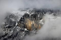 Eclaircie (VERCRUYSSE Jerome) Tags: cliffs falaises montagne france alpes alpen brume mist nuage clouds cloudy nuageux mountain samoens carroz roche roc neige snow hiver winter jerome vercruysse 2019 mars nature