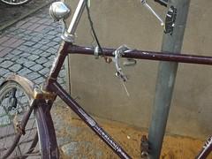 Wer bremst, verliert (mkorsakov) Tags: münster city innenstadt gerümpel trash sperrmüll fahrrad bike bicycle bremse brake defekt damaged