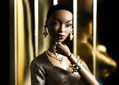 Golden (Ferry Royalty) Tags: adele adèle adelemakeda makeda fashionroyalty fashion royalty integritytoys integrity toys toy thefacesofadele the faces of barbie barbiedoll beauty doll dolls dollcollector dollphoto dollcollection dollphotography golden collection