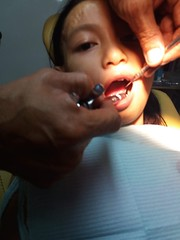the art of pain lol (ghostgirl_Annver) Tags: asia asian girl annver teen preteen child kid daughter sister family portrait tooth doctor pain