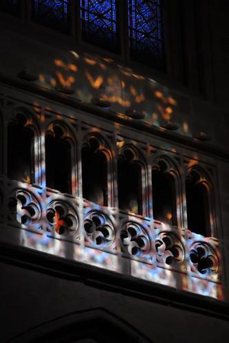 20100603 372 Jakobus Bilbao Kathedrale Säulen Bögen Lichtspiel Fenster