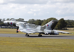 Avro Vulcan (Graham Paul Spicer) Tags: riat airtattoo tattoo ffd fairford raffairford airfield aircraft plane flying aviation display airshow uk avro vulcan bomber raf royalairforce military warplane classic preserved vintage bombercommand strikecommand 1group vtts xh558
