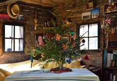 OUR LITTLE CHRISTMAS TREE (LitterART) Tags: huabn stube christmas weihnachten weihnachtsbaum christmastree steiermark österreich history mood nikond800 fx 50mm