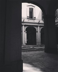 Into the courtyard, Museo del Risorgimento, Milano, Italia So many small places away from the bustle of the city. For me, discovering these places is one of most exquisite joys of travel -- whether far abroad or in your own hometown. Milan is a great plac (dewelch) Tags: