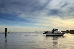 Waarde (Omroep Zeeland) Tags: getijdenhaventje eb vloed waarde meerpaal vissersbootje haventje bietenhaventje
