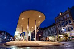 Kronmarkt blaue Stunde (carsten.plagge) Tags: 2019 a6300 cp55 carstenplagge fachwerk februar himmel samyang sonnenuntergang sony wolfenbüttel wolken blauestunde niedersachsen deutschland de