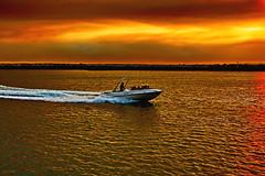 Passeio (Zéza Lemos) Tags: barcos algarve água areia canon capture céu contraluz ciel portugal praia pordesol puestadelsol entardecer anoitecer marinadevilamoura nuvens núvens mar oceano ondas sunset sunny surf vilamoura